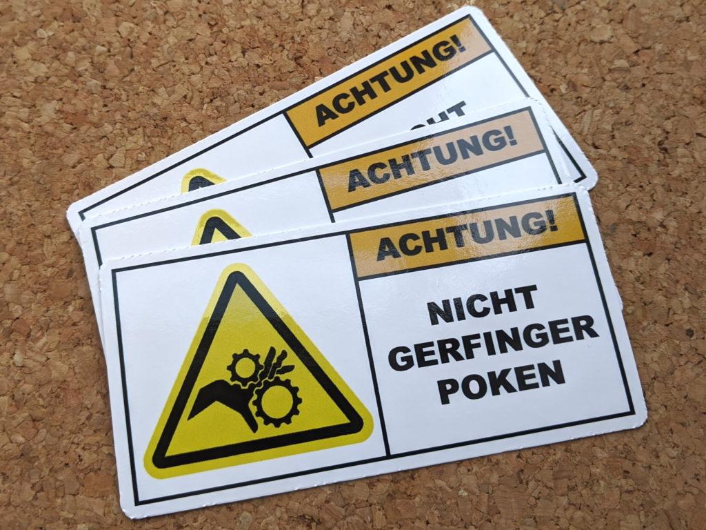 Warning Sticker: Achtung! Nicht Gerfinger Poken